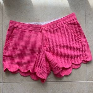 Lilly Pulitzer Scallop Buttercup Shorts size 4